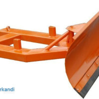 Auction: Universal snow plow, clearing blade